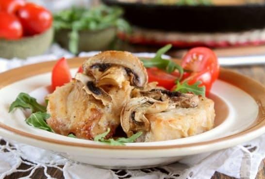 Печено пиле фрикасе с гъби - изображение