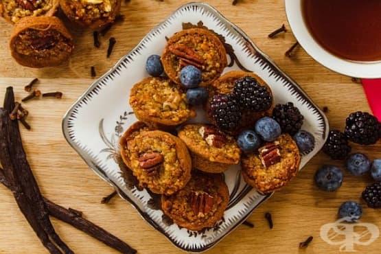 Пясъчни бисквитки с кленов сироп, петмез и пеканови орехи - изображение