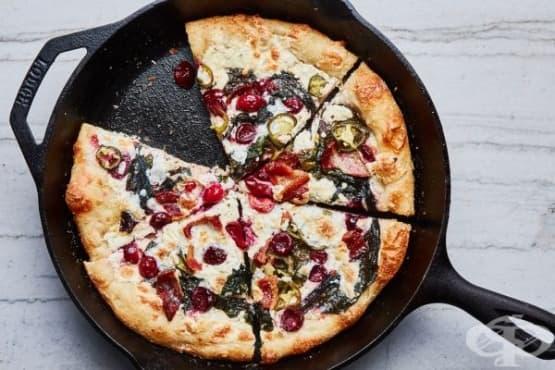 Пица с вишни и люта чушка - изображение