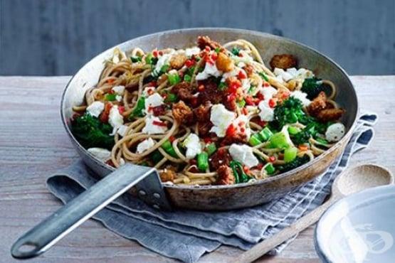 Пикантни спагети с кълнове от броколи - изображение