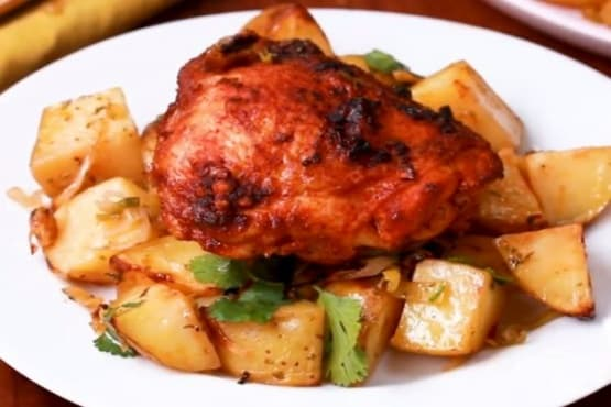 Пилешко с хариса, картофи и праз - изображение
