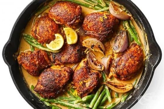 Пилешко със зелен боб и сос с тахан - изображение