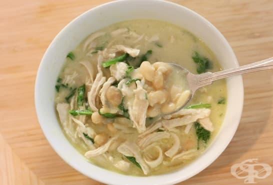 Пилешка сметанова супа с боб и спанак - изображение