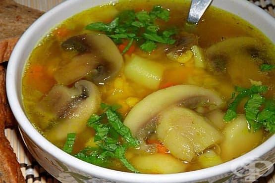 Пилешка супа с гъби, грах и горчица - изображение