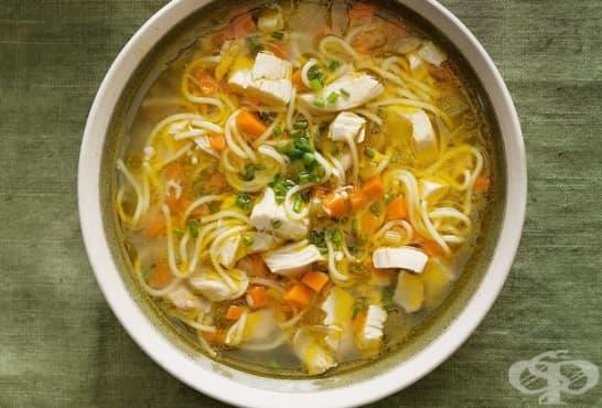 Бистра пилешка супа със спагети - изображение