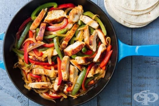Пиле със зеленчуци по мексикански (пиле фахитас) - изображение