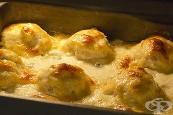 Печени пилешки хапки в млечно-кашкавален сос - изображение