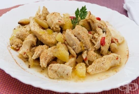 Пилешки жулиени в масло с ананас и къри - изображение