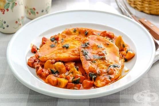 Пилешки пържоли в гъбено-винен сос - изображение