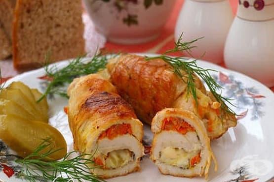 Пилешки филета с плънка от топено сирене и зеленчуци - изображение