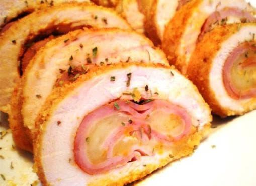 Пилешко руло с плънка от шунка и кашкавал - изображение
