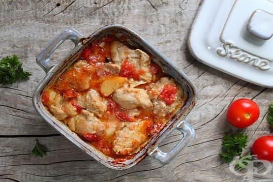 Пилешки бутчета с чесън, горчица и домати на фурна - изображение