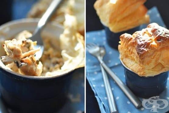 Пилешко с праз и гъби, запечено под бутер тесто - изображение