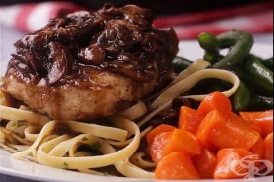 Пилешко месо със сос от вино Марсала - изображение