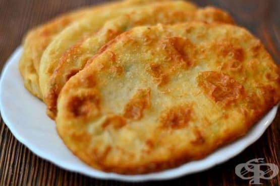 Пирожки с плънка от кашкавал и картофи - изображение