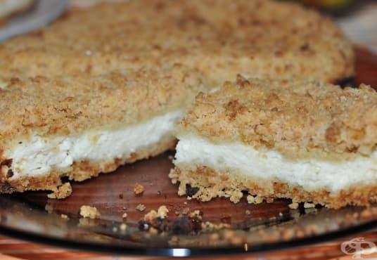 Сладка пита от ронено тесто с пълнеж от извара - изображение
