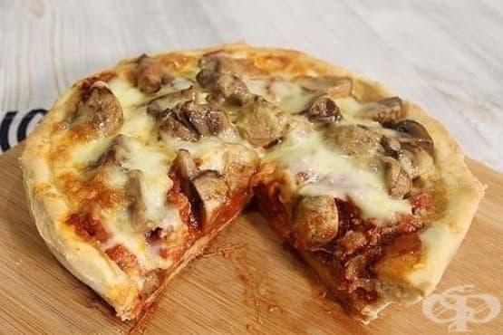 Пица с печурки, кайма и моцарела - изображение