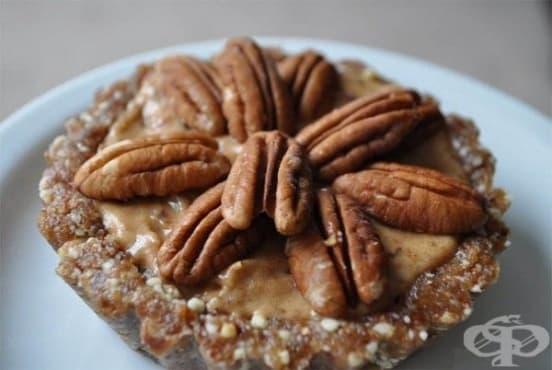 Плодов сладкиш с канела и ядки (без печене) - изображение