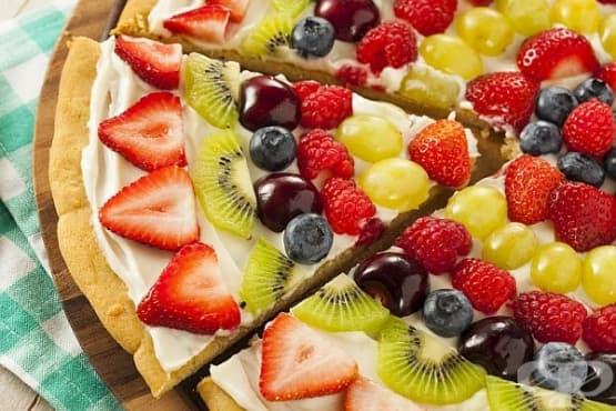 Сладка пица с плодове и лимоново крема сирене - изображение