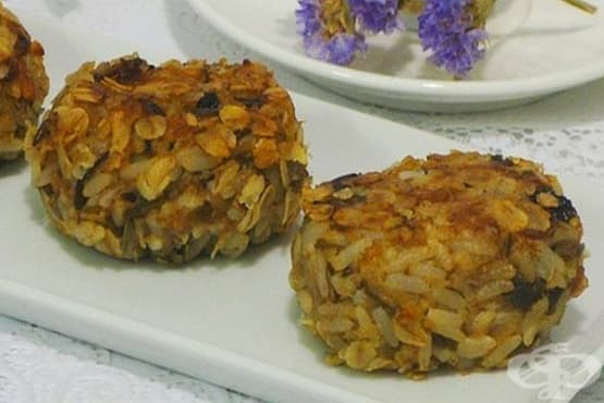 Плодово-оризови кюфтенца с овесена панировка - изображение