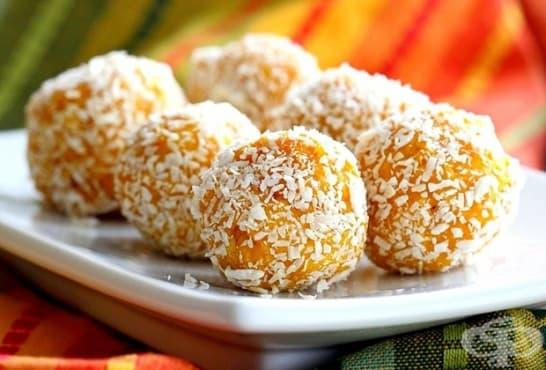Портокалови топчета с кокос и бадеми - изображение