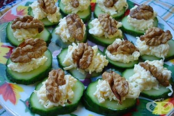 Предястие от краставици с топено сирене, чесън и орехи - изображение