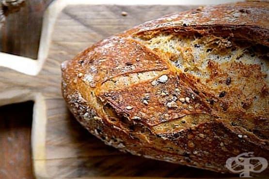 Пълнозърнест хляб с ленени и сусамови семена - изображение