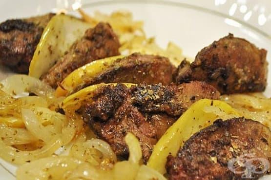 Пържени картофи с пилешки дробчета и лук - изображение