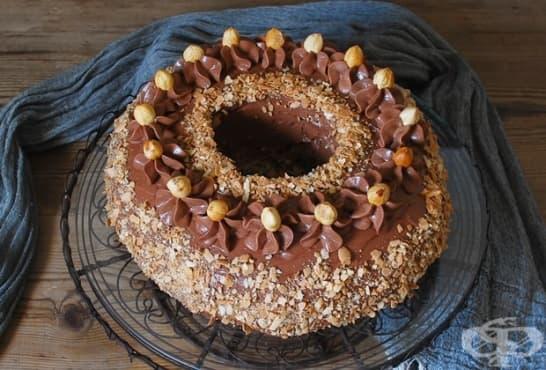 Пълнен лешников кекс с течен шоколад - изображение