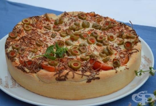 Пълнена ароматна пица - изображение