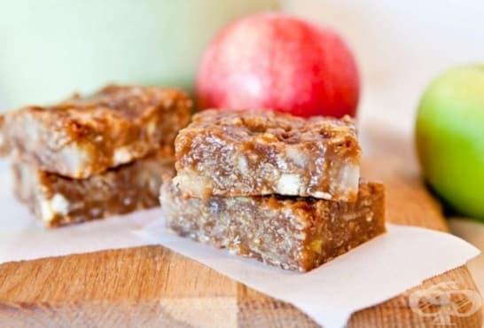 Ябълкови мини барчета с карамел, фъстъчено масло и шоколад - изображение