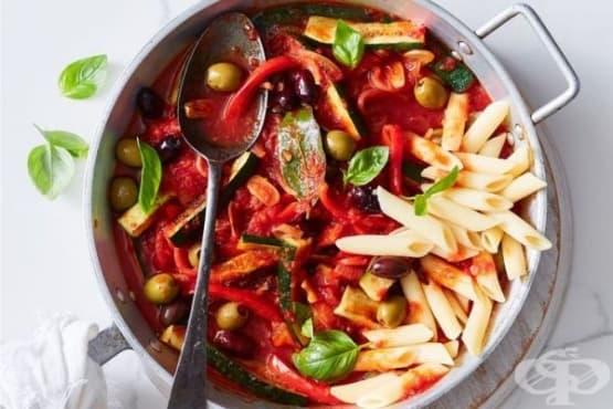 Зеленчукова яхния с макарони - изображение