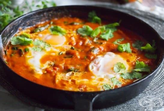 Яйца с тиква и доматен сос - изображение
