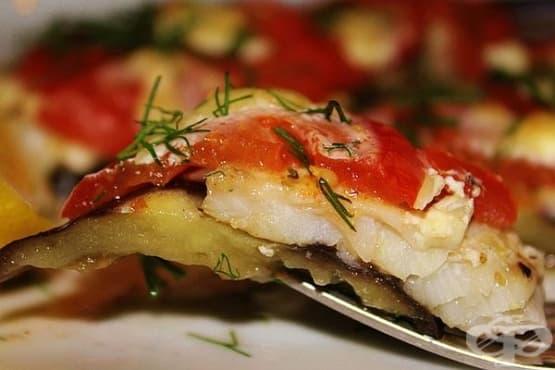Бяла риба с патладжани на фурна - изображение