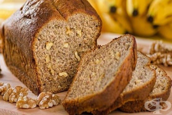 Ръжен хляб с банани и орехи - изображение