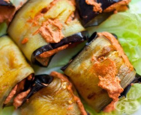 Рулца от патладжани с пастет от домати, орехи и чесън - изображение