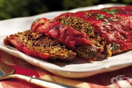Руло с подправки и доматен сос - изображение