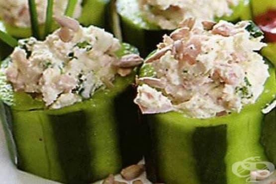 Рулца от пресни краставици с плънка от риба и крема сирене - изображение