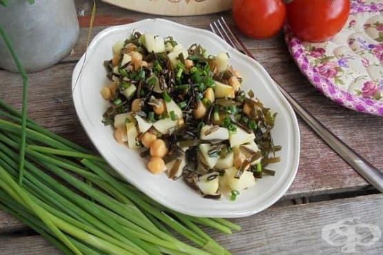 Гарнитура от див ориз и нахут с морско зеле и ябълки - изображение