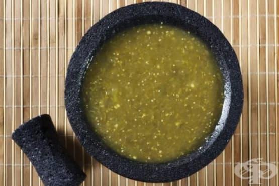 Салса верде - зелен доматен сос - изображение