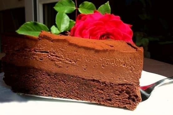 Шоколадова торта с крем Маскарпоне и Бейлис - изображение
