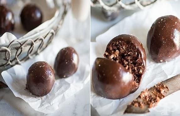 Шоколадови бонбони от сурови ядки и кокос - изображение