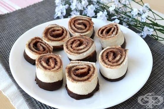 Шоколадови хлебни рулца с крема сирене - изображение