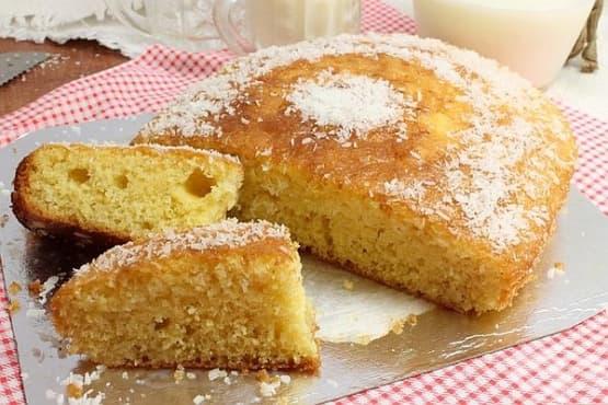 Млечен сладкиш с кокос и лимон - изображение