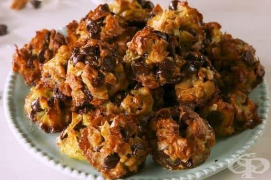 Сладки с кокос, орехи и шоколад - изображение
