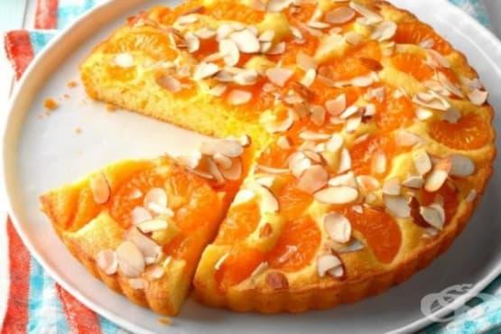 Сладкиш с мандарини и филирани бадеми - изображение