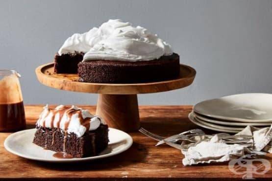 Шоколадов сладкиш с ментова глазура - изображение