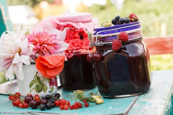Сладко асорти от летни плодове - изображение
