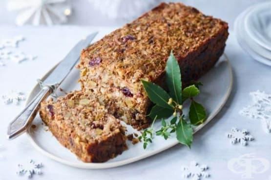 Веган сладко-солен кекс със зеленчуци и ядки - изображение