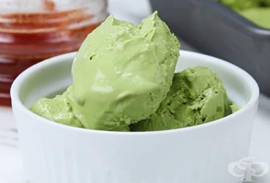 Замразено цедено мляко с мед и зелен чай - изображение